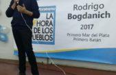 Mar del Plata / Multitudinario acto de La Hora de los Pueblos