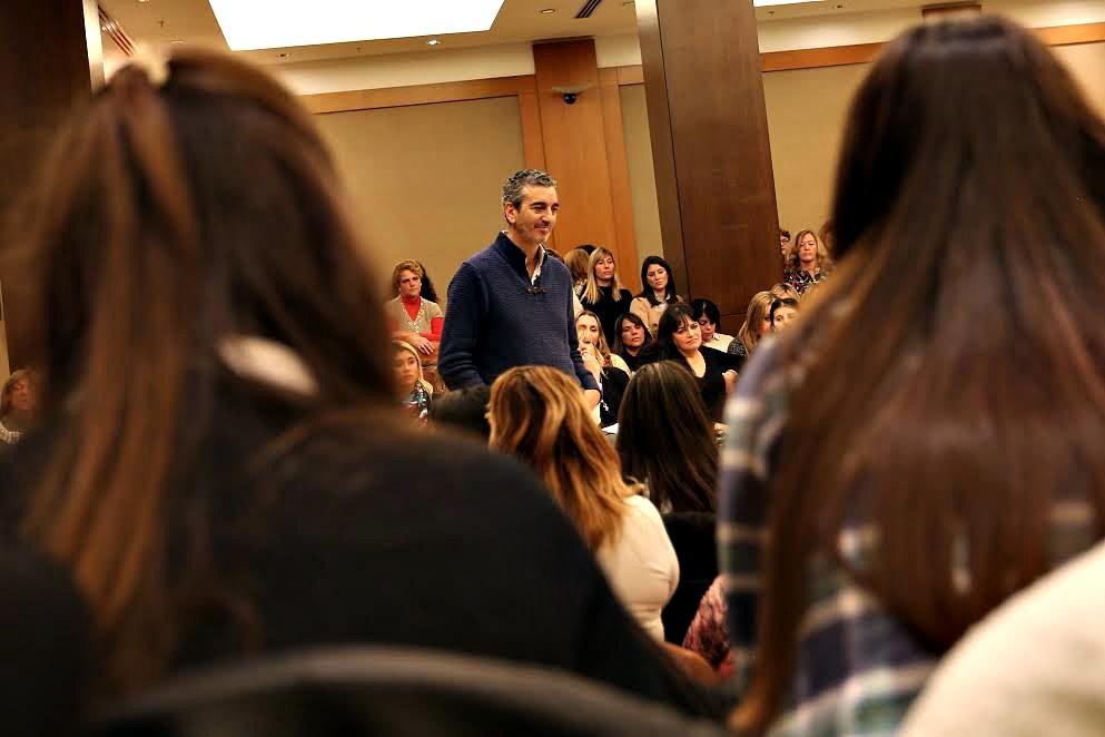 """En un encuentro con 250 dirigentes mujeres, Randazzo pidió trabajar """"contra la violencia machista"""""""