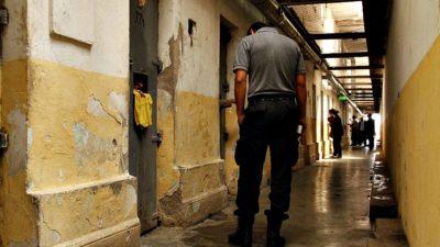 Relevan 673 casos de tortura, violencia y causas armadas por la policía y el Servicio Penitenciario