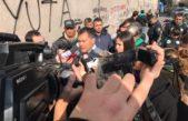 El intendente de Moreno hizo una sentada frente al Ministerio de Economía y se fue sin que lo atiendan