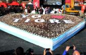 Tigre / Hicieron el corazón artesanal de chocolate más grande del mundo y se repartieron 40 mil porciones