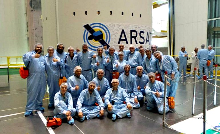 """""""Privatizan nuestro futuro"""", dicen los trabajadores de ARSAT"""