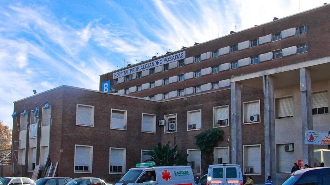 Protesta de enfermeros en el Posadas por despidos y precarización laboral