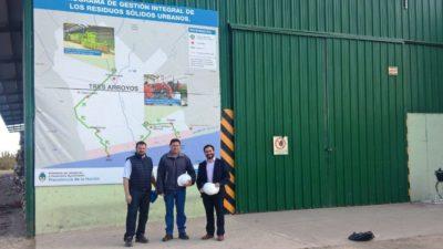 Azul / Funcionarios se capacitan sobre tratamientos de Residuos sólidos urbanos