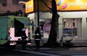 Se incendió por completo una moto en pleno centro platense