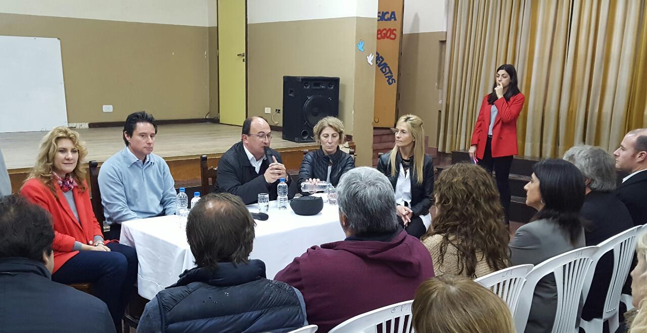 Saladillo / Salomón y el ministro Sánchez Zinny abrieron el parlamento juvenil del Mercosur