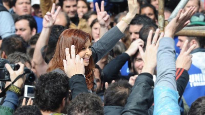 El escrutinio definitivo confirmó la victoria de CFK que relanzará su candidatura en La Plata