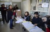E. Echeverria / Fernando y Magui Gray votaron en Canning