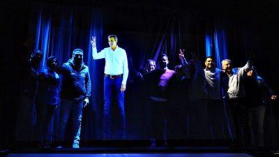 Cómo funciona el holograma con el que Randazzo revolucionó la campaña