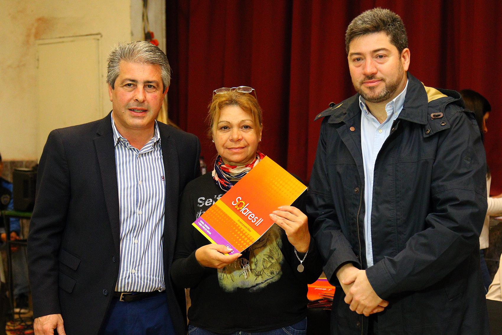 Pergamino / Con el eje puesto en la vivienda, Martínez entregó 164 nuevos terrenos para construir hogares