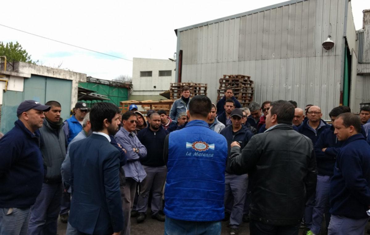 Preocupa el cierre de una fábrica en La Tablada