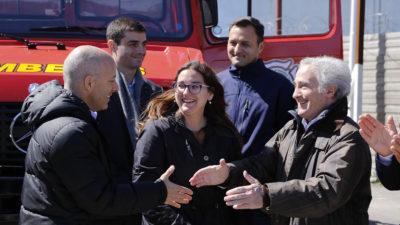 Pilar / Ducoté entregó nuevo vehículos a los bomberos voluntarios
