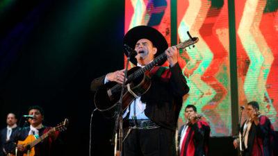 """El festival 'AcercArte' hizo vibrar a La Plata con el Chaqueño Palavecino y """"La Princesita"""" Karina"""