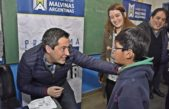 M. Argentinas / Más de 400 chicos recibieron lentes gratuitos en escuelas malvinenses