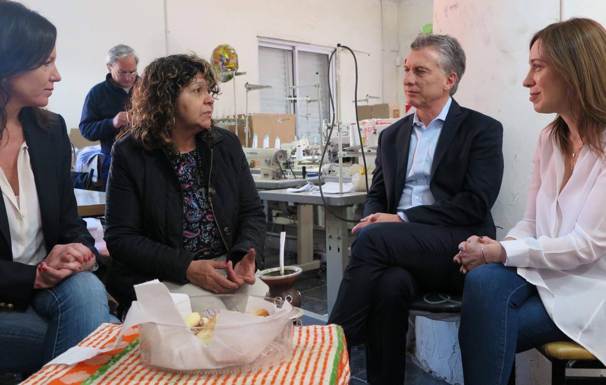 Macri y Vidal recorrieron una cooperativa textil en pleno territorio K