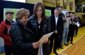 Ferrari y Vidal entregaron escrituras y recorrieron obras en Bahía Blanca