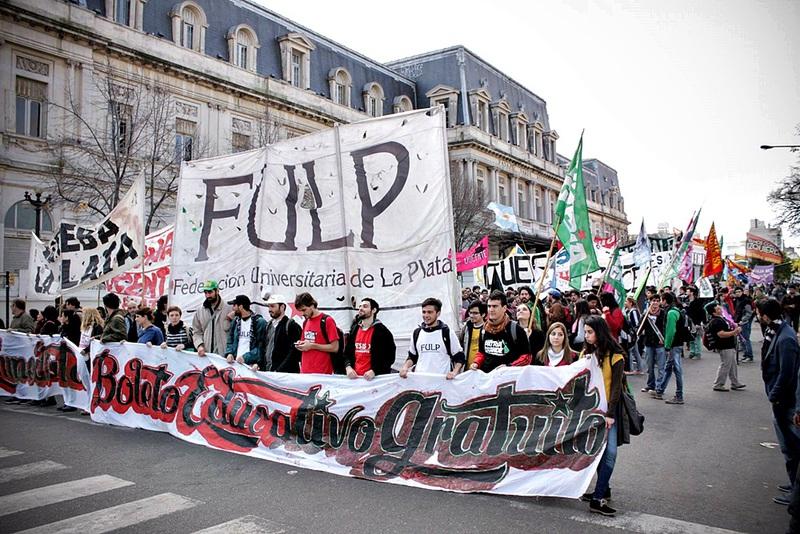 Los estudiantes de la UNLP renovaron sus autoridades y dejaron afuera a La Cámpora