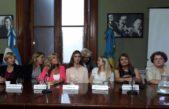 """Líderes femeninas de diversos espacios políticos lanzaron """"Mujeres de la Octava"""""""