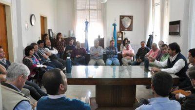 Sarquis detalló las obras para terminar con las inundaciones rurales en Provincia