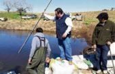 Trenque Lauquen acusa a Daireaux de inundarle campos con un canal clandestino