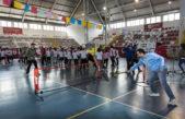 """Tagliaferro jugó al tenis con el """"Mago"""" Coria e inauguraron un nuevo torneo interbarrial"""