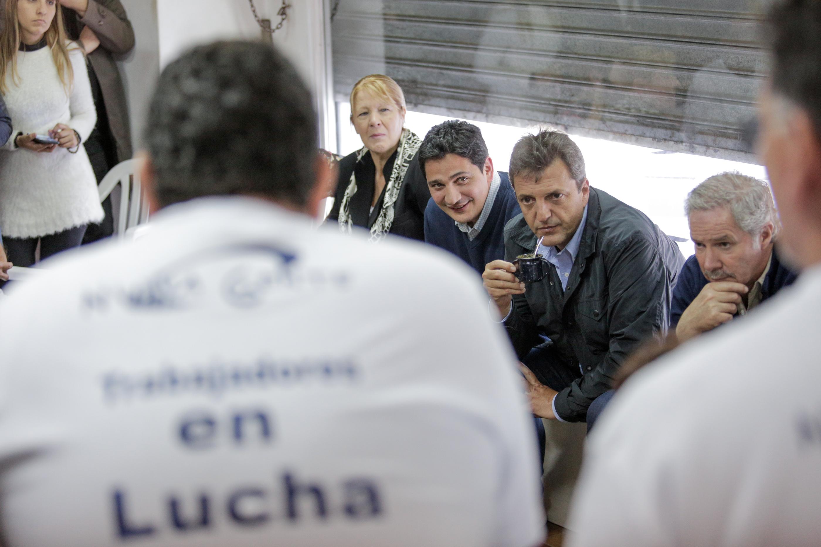 """Massa visitó Morón y sostuvo """"el trabajo no es un costo sino la herramienta de dignificación de la persona"""""""