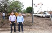 Chivilcoy / Britos construye una plaza que fue anunciada hace 10 años por el Randazzismo y nunca se hizo