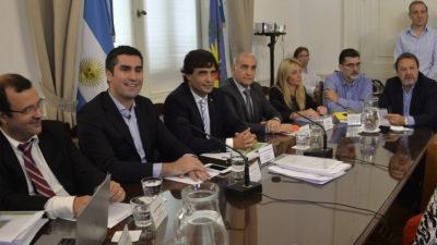 El ministro de economía presentó el proyecto del presupuesto provincial para el 2018