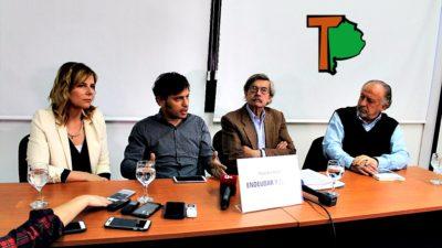 """""""Los gobiernos que más ajustan son los que más se endeudan"""", dijo Kicillof en La Plata"""