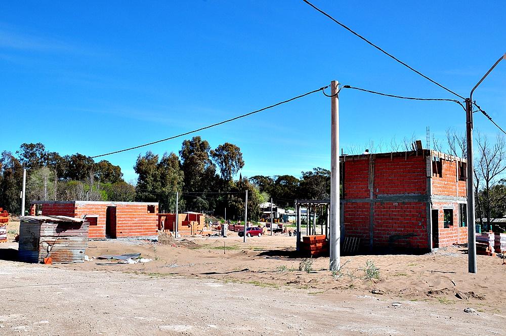 Monte Hermoso / Más familias construyen sus hogares en el nuevo Barrio Procrear