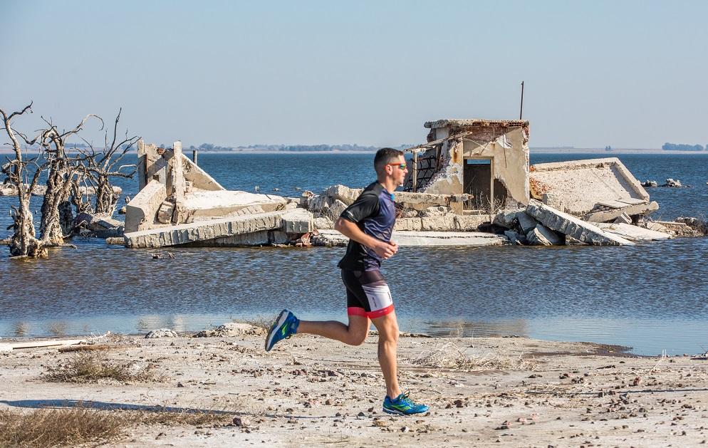 Organizan una maratón que pasará por las ruinas de Villa Epecuén