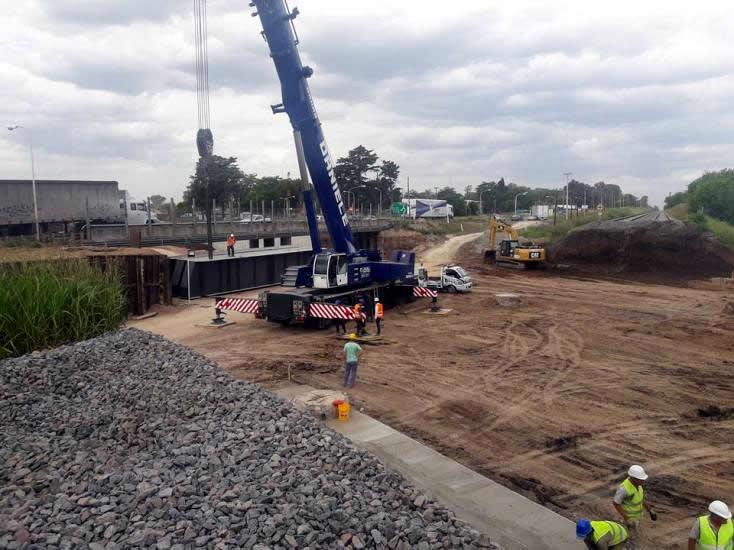 Se instaló un puente ferroviario en Ruta 5 que eliminará el cruce del tren en Luján