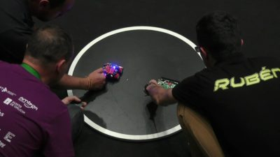 Sumo, carreras, laberinto y fútbol: en Bahía Blanca se disputó el Campeonato Nacional de Robótica