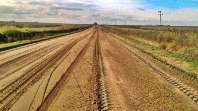 Solicitan al ejecutivo provincial la pavimentación del camino entre Tres Lomas y Pellegrini