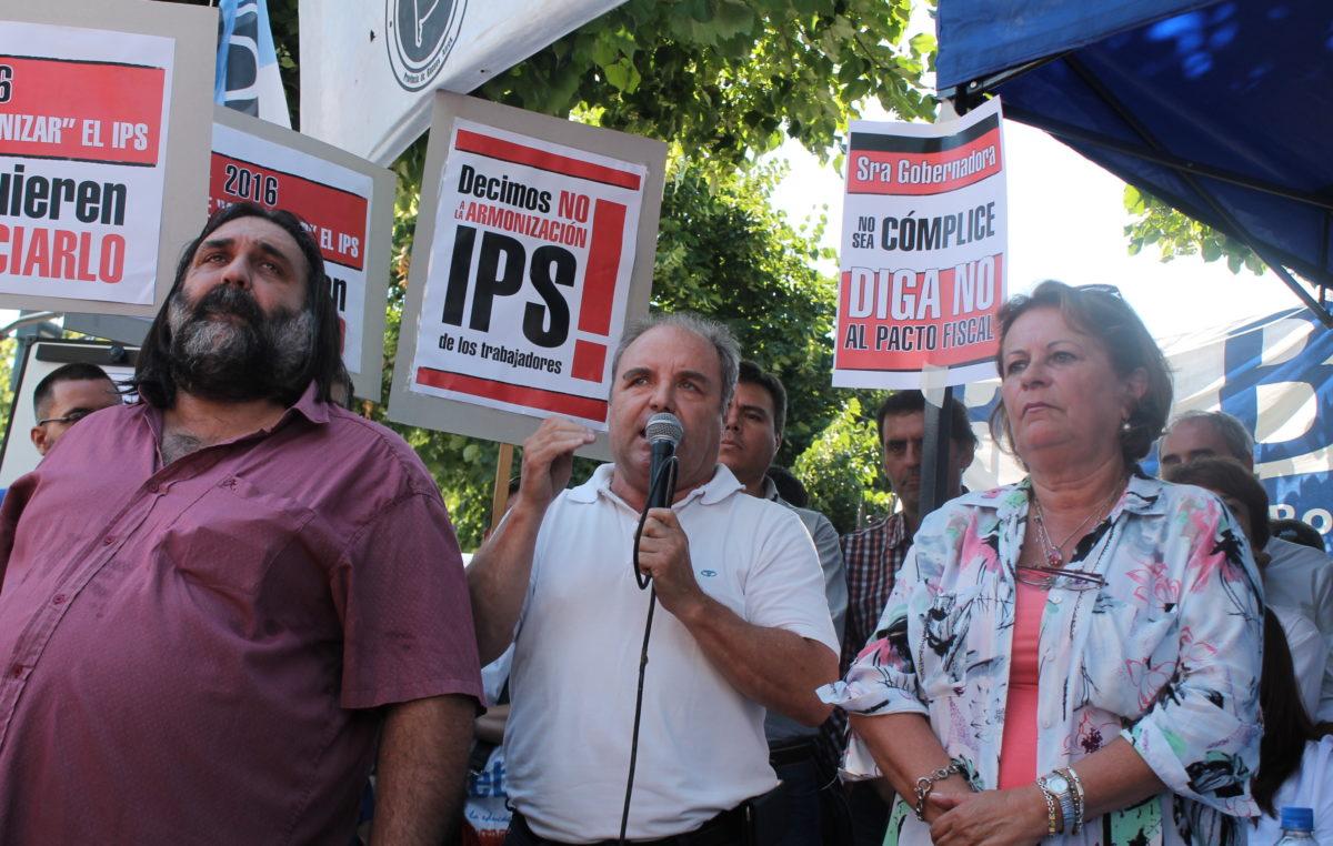 Con una clase pública los docentes explicaron por qué rechazan la reforma del IPS y las cesantías de Vidal