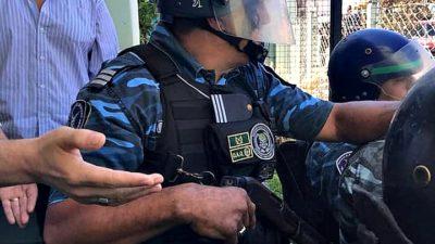 """Berisso / El radical Nedela reprimió a trabajadores municipales que rechazaban la """"Emergencia Económica"""""""