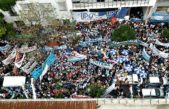 "Un multitudinario ""abrazo"" al IPS rechazó la reforma del sistema jubilatorio bonaerense"