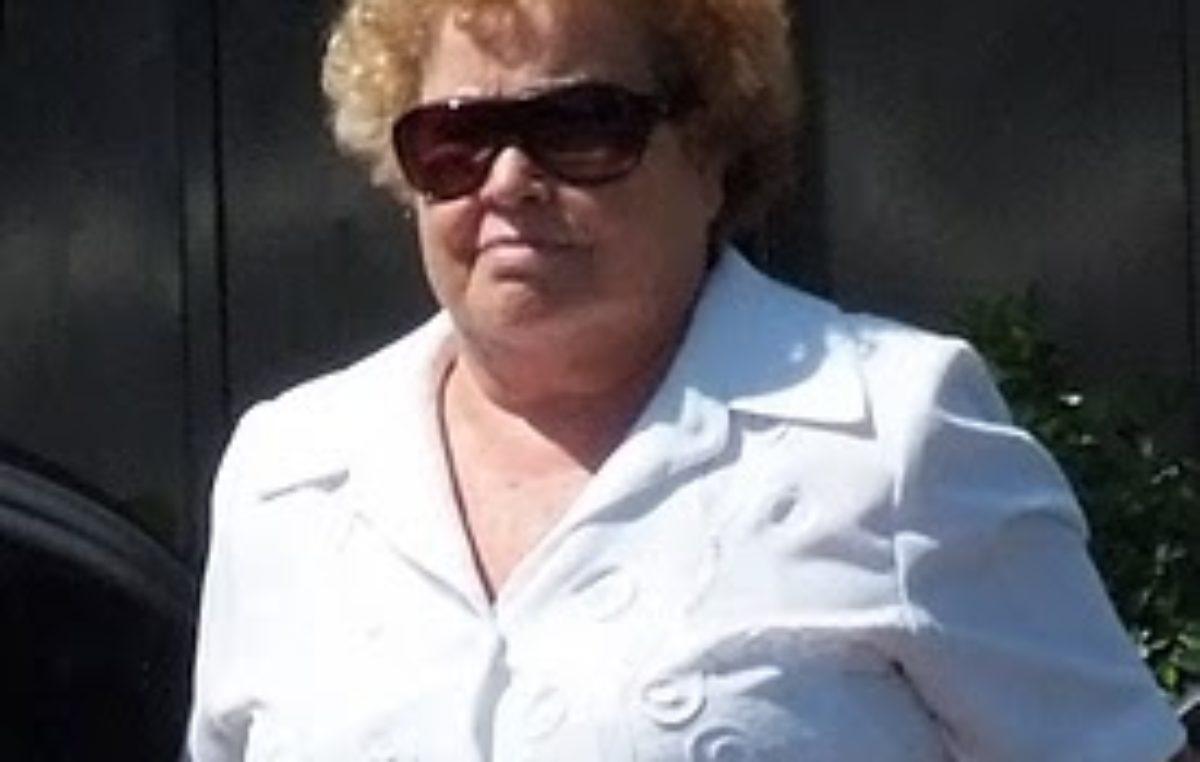 VIDEO / Totalmente sacada, la dueña del Diario Hoy defendió a su hijo y disparó contra todos