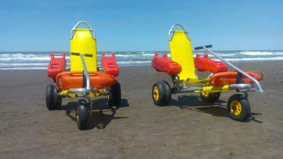 """Monte Hermoso, una playa accesible: prestan """"sillas anfibias"""" gratis para discapacitados"""