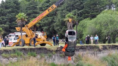 Tragedia en Olavarría / dos jóvenes murieron al caer en un auto al Arroyo Tapalqué
