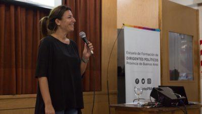 """La senadora Daniela Reich encabezó una capacitación de concejales y lanzó """"estamos cambiando la forma de hacer política"""""""