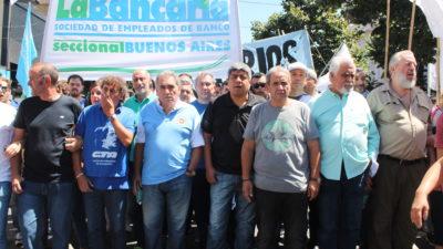 Masiva movilización de las organizaciones sociales con apoyo de los sindicatos por trabajo