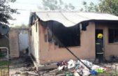 Junín / Se prendió fuego una vivienda pre fabricada en el club Newbery y todas las críticas fueron para el presidente y una diputada k