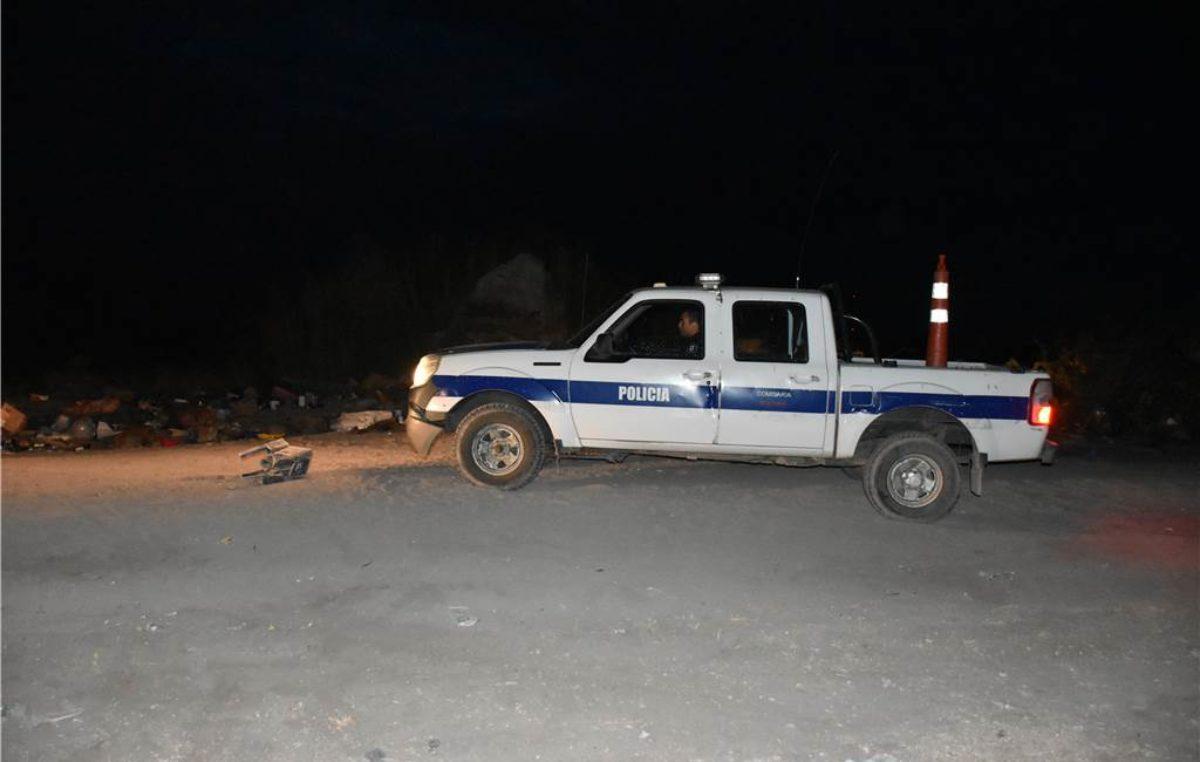 Tétrico: en el basurero municipal de Bolívar encontraron un féretro con restos humanos