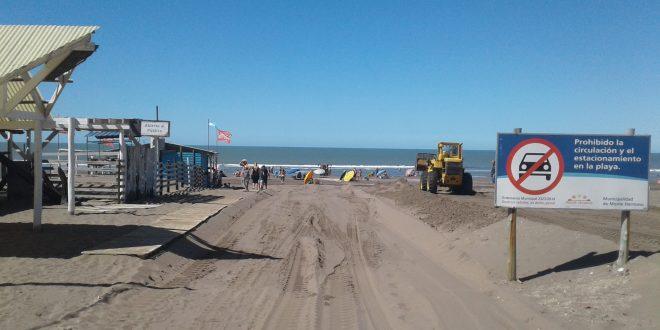 En Monte Hermoso continúan los trabajos para mejorar bajadas y accesos a la playa