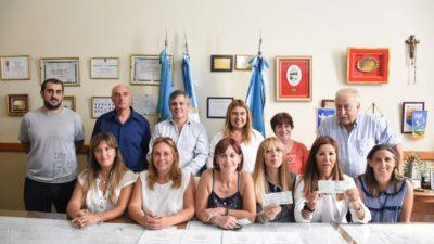 Chivilcoy / Se entregaron 220 mil pesos destinados a establecimientos educativos