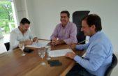 El intendente de Escobar firmó convenios de colaboración recíproca en Chaco con Jorge Capitanich