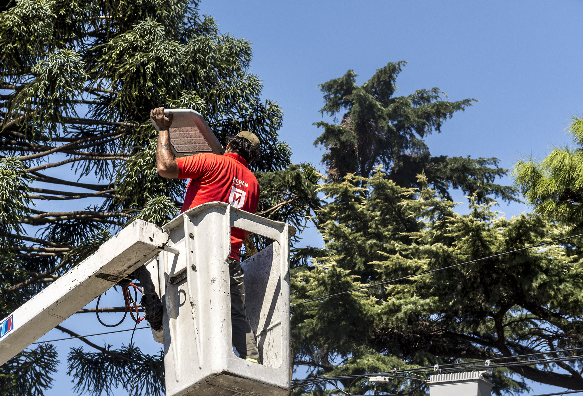 Histórica reconversión lumínica en Morón: se instalaron 5000 luces LED