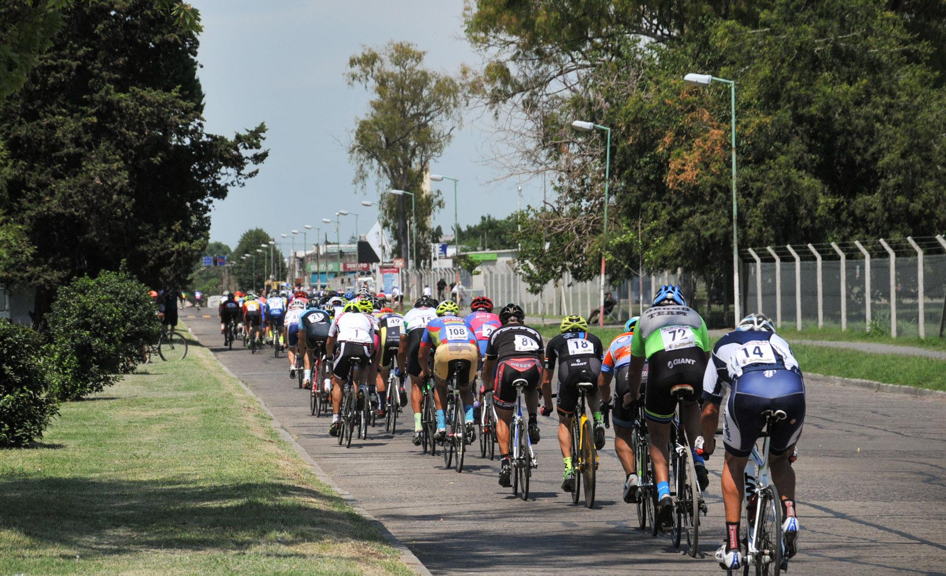 """La Plata / Durante el fin de semana, se realizará el Gran Premio de Ciclismo """"Regimiento 7 de Infantería"""", en homenaje a los caídos en Malvinas"""