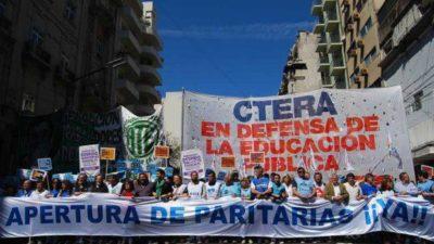 """Docentes piden audiencia al presidente: """"Queremos un Estado presente que garantice el derecho a la educación"""""""
